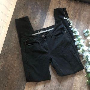 Boden | Black Skinny Jeans Zippered Ankles